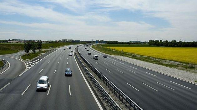 Владимир Зеленский намерен достроить все дороги в Украине 1