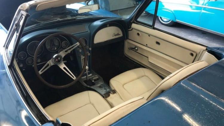 С молотка пустят уникальный Chevrolet Corvette после полувекового простоя 2
