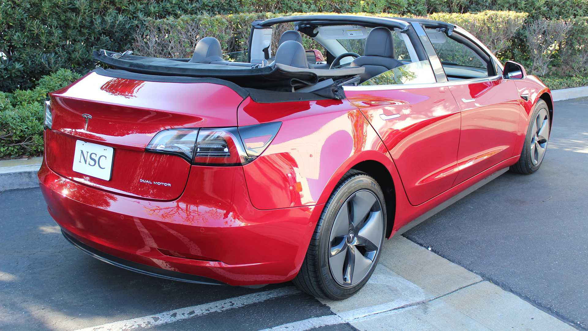 За превращение самой дешёвой Tesla в кабриолет придётся отдать стоимость самой «Теслы» 2