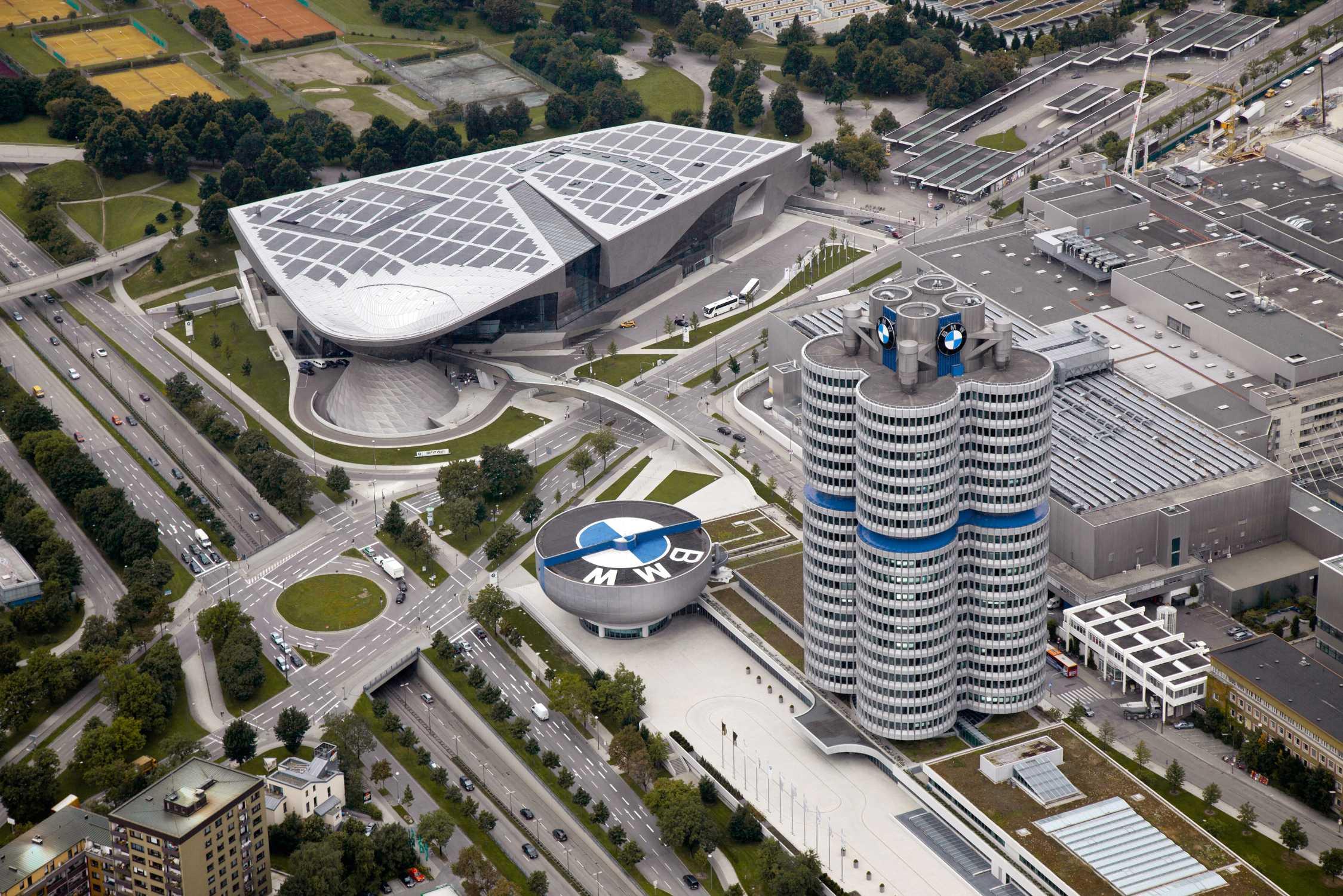 Компания BMW начнет массовый выпуск защитных масок 1