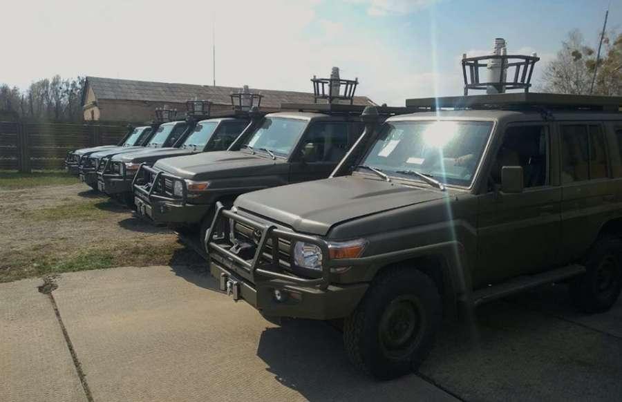 США передали Украине партию военных внедорожников Toyota 1