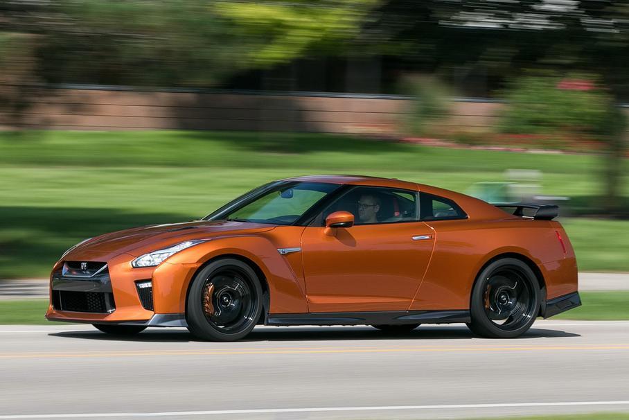 Отсутствие обновлений – изюминка Nissan GT-R 1