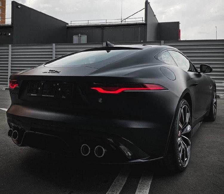 В Украине появился уникальный Jaguar F-Type 2