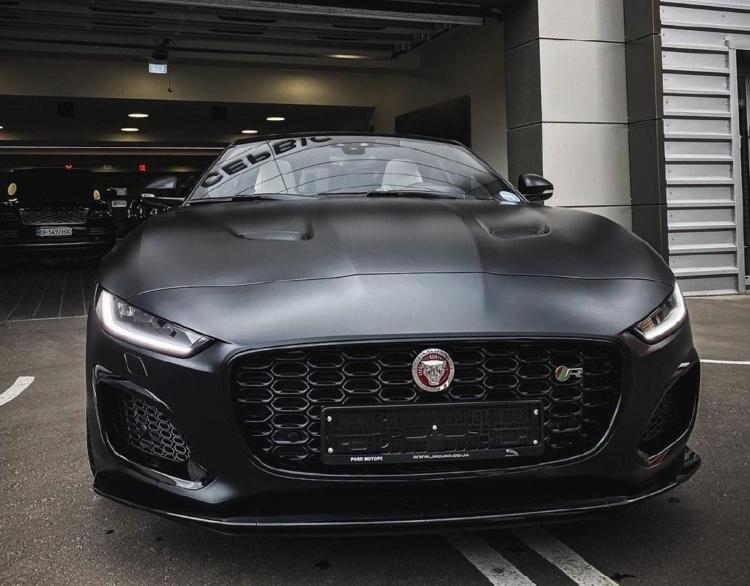 В Украине появился уникальный Jaguar F-Type 1