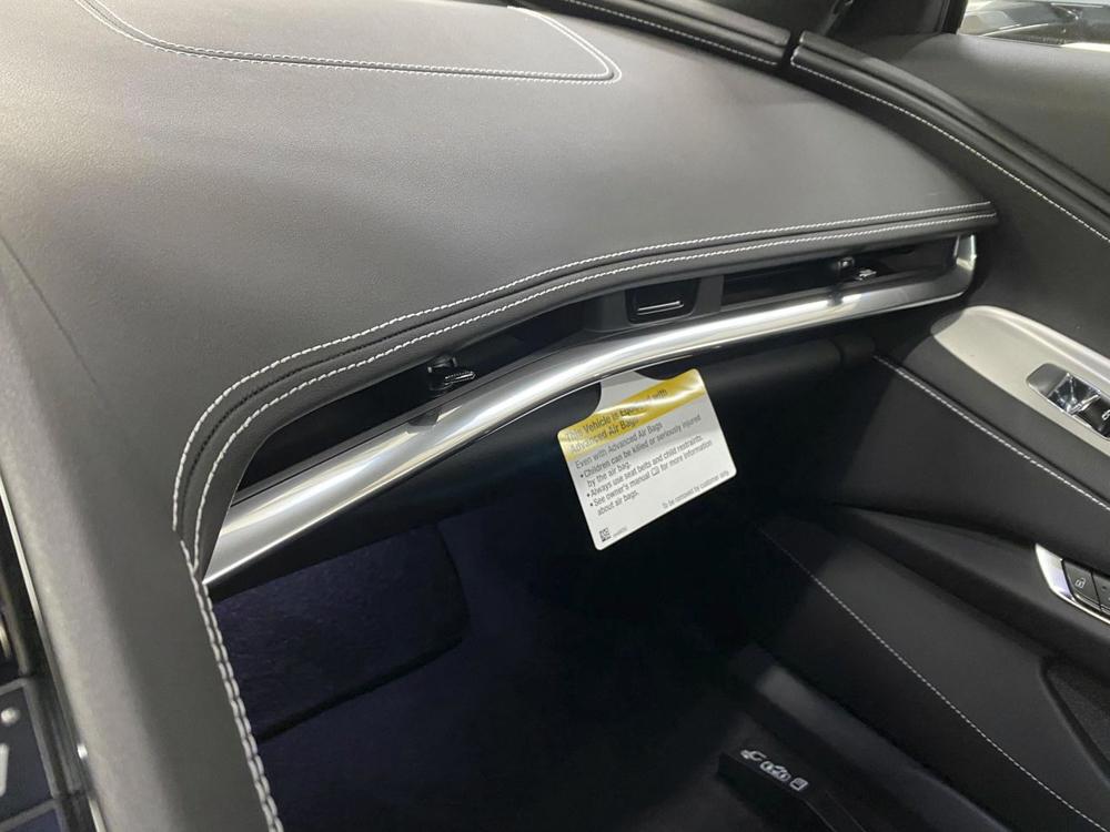 Новый Corvette шокировал владельцев отвратительным качеством салона 1