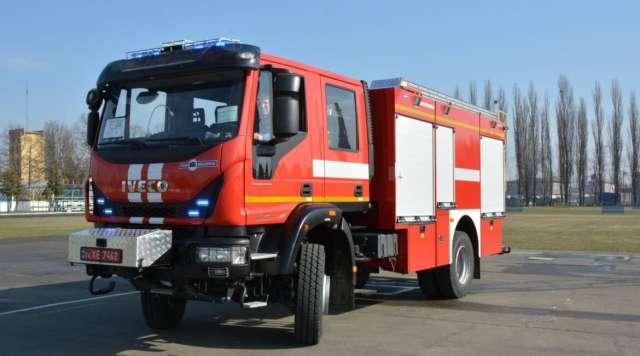 В Украине построили новейший пожарный автомобиль 1