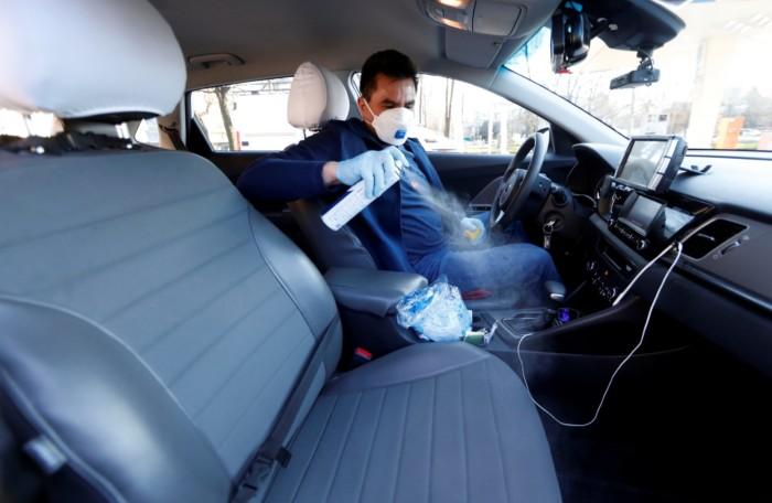 Украинским автомобилистам напомнили о правилах перемещения во время карантина 1