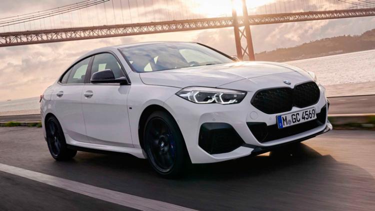 Компания BMW опровергла отказ от седанов 1