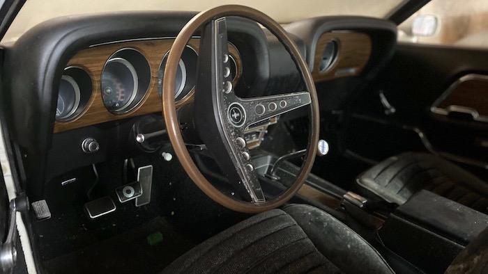 На продажу выставили редкий Ford Mustang, простоявший в гараже 39 лет 1
