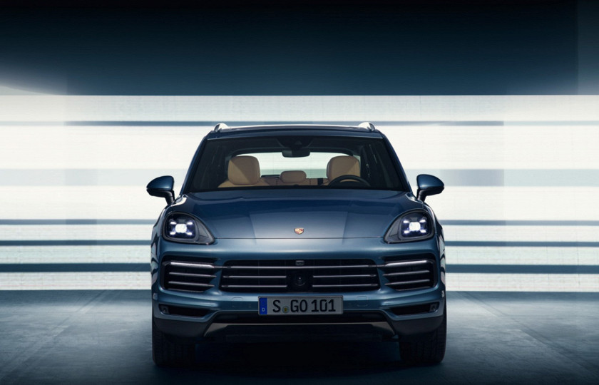 Компания Porsche рассекретила новый Cayenne 1