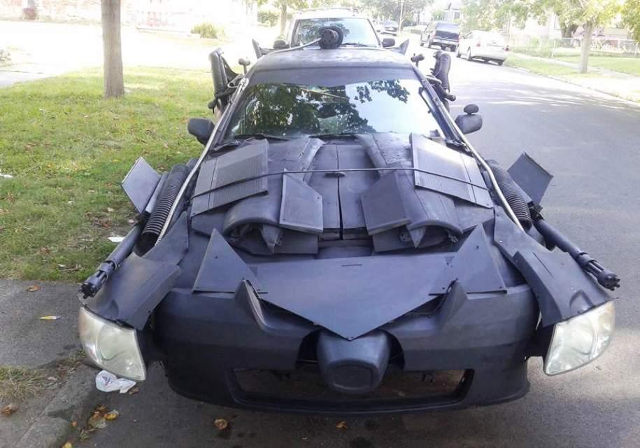 Toyota Camry «превратилась» в «автомобиль для Бэтмена» 1