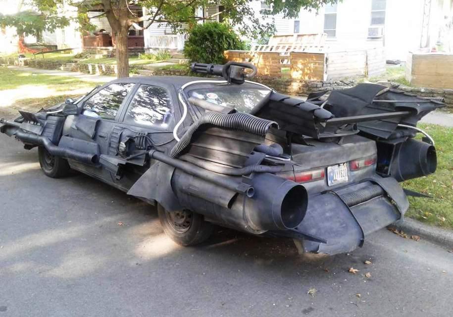 Toyota Camry «превратилась» в «автомобиль для Бэтмена» 2
