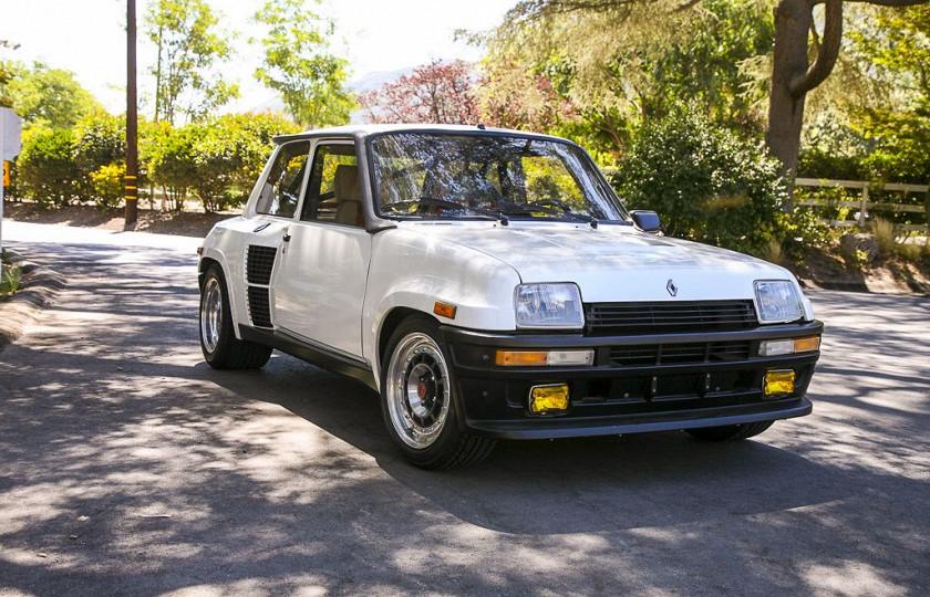 33-летний Renault продали за баснословную сумму денег 1