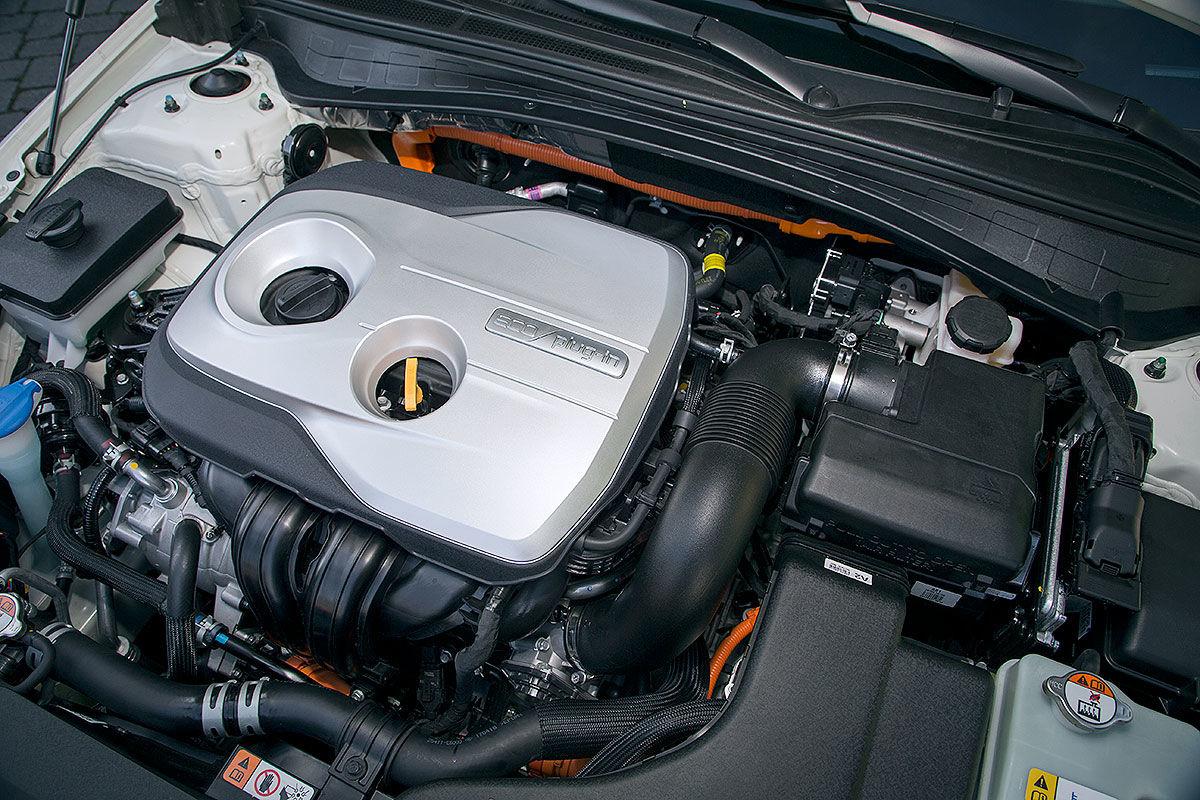«Универсал с чистой совестью»: тест-драйв Kia Optima Sportwagon Plug-in Hybrid 4