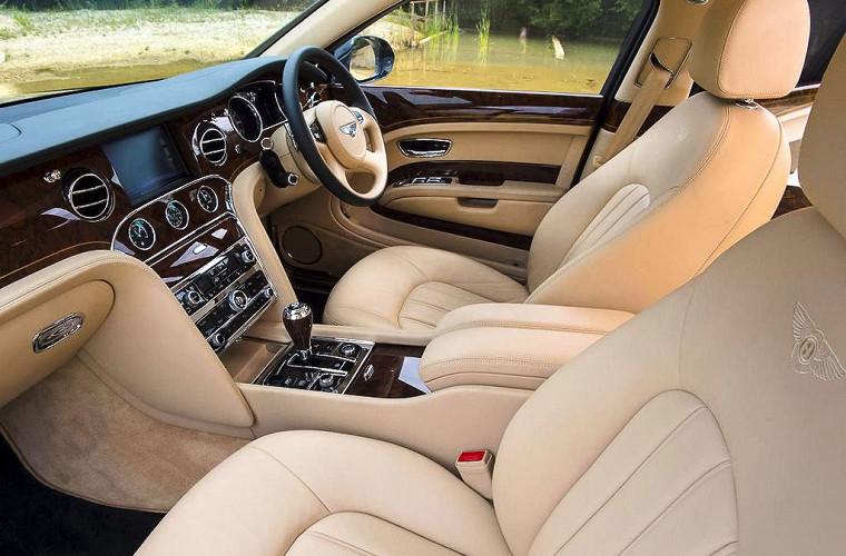 Роскошный Bentley Королевы Великобритании выставят на аукцион 4