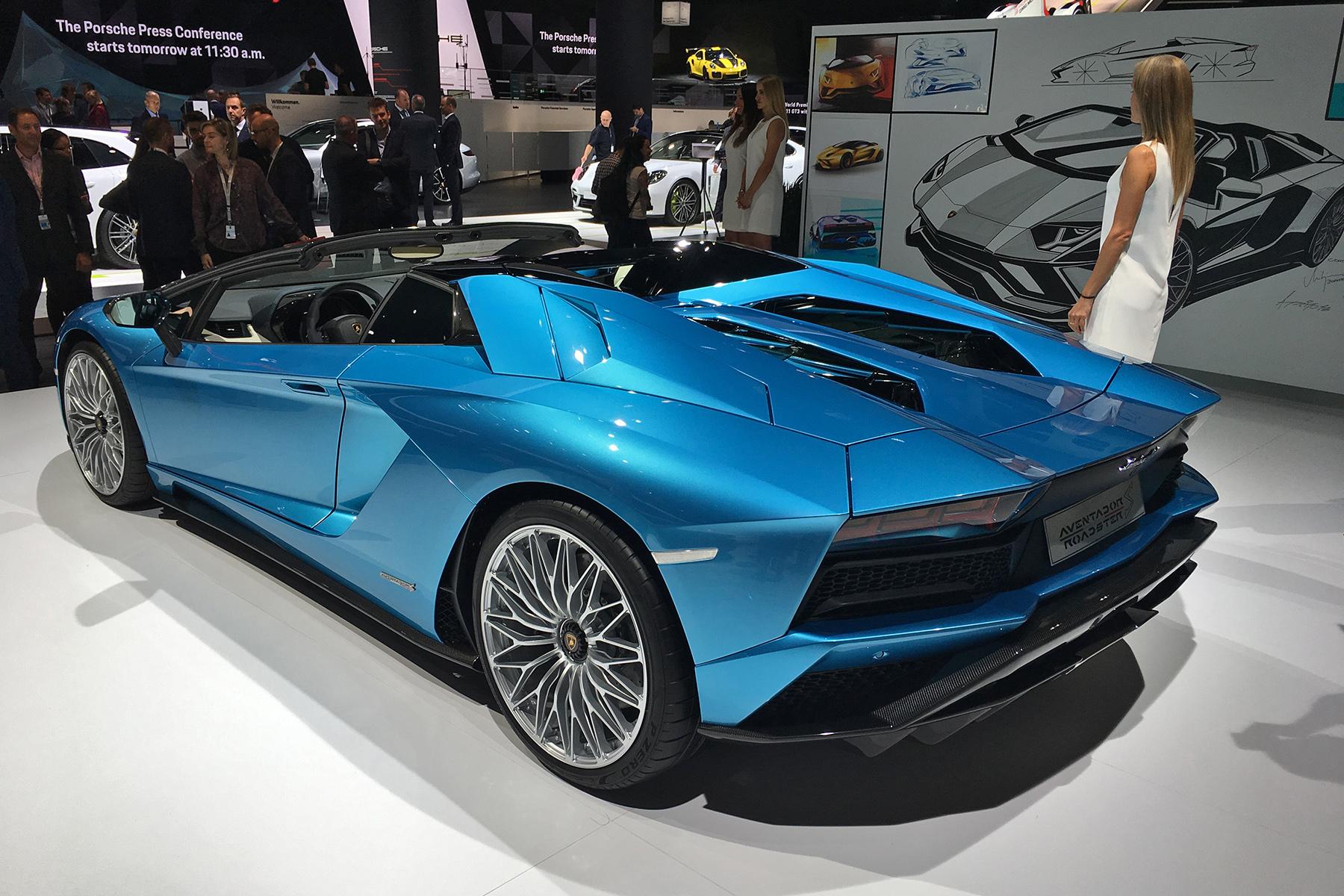 Lamborghini представил Aventador S «с крышей в багажнике» 3