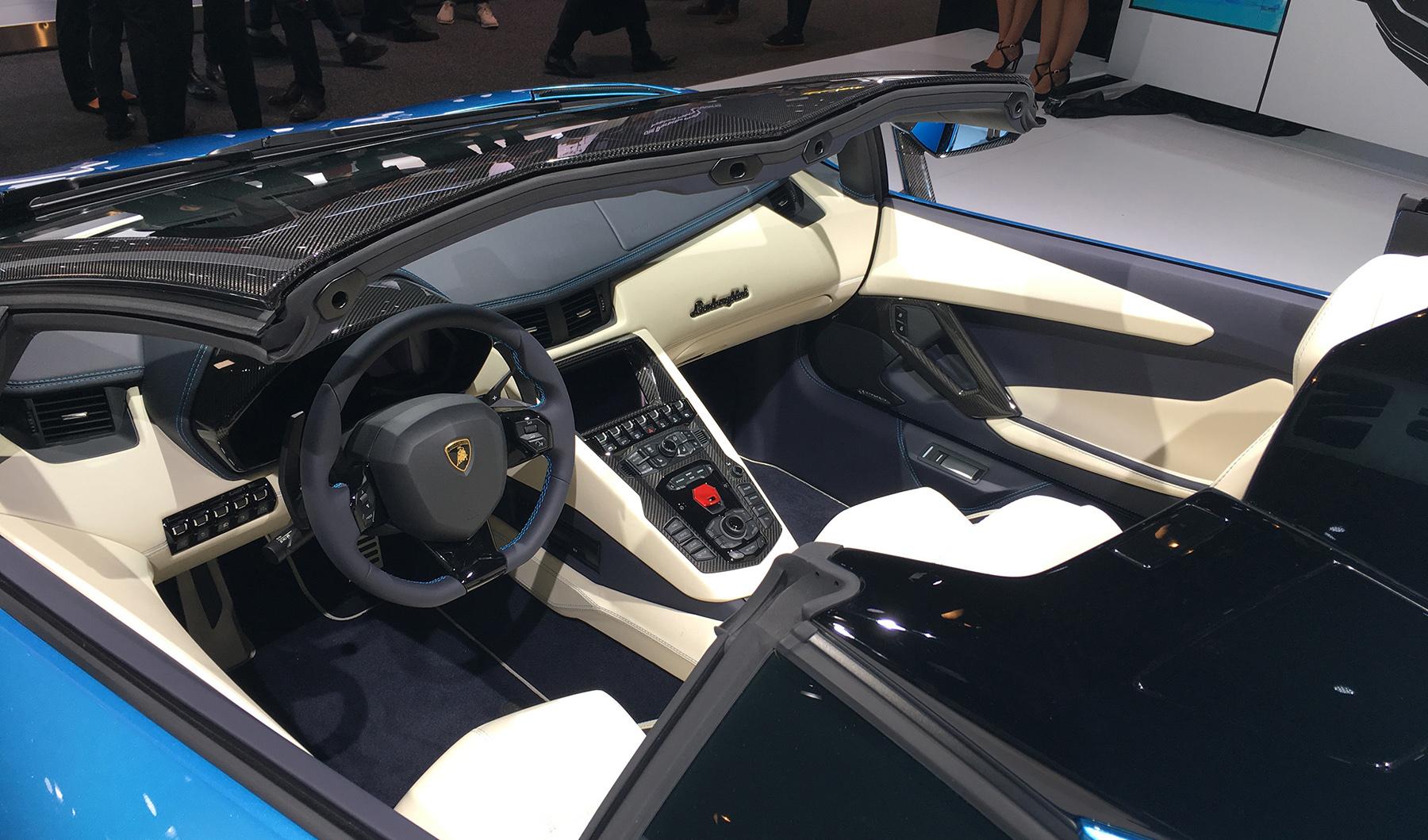 Lamborghini представил Aventador S «с крышей в багажнике» 4