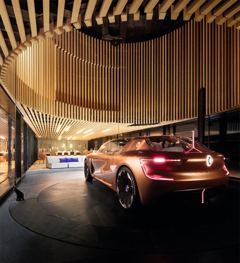 Renault представила автомобиль, который предназначен не только для езды 2