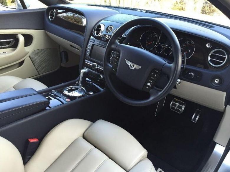 Единственный в своем роде Bentley продали «за копейки» 3