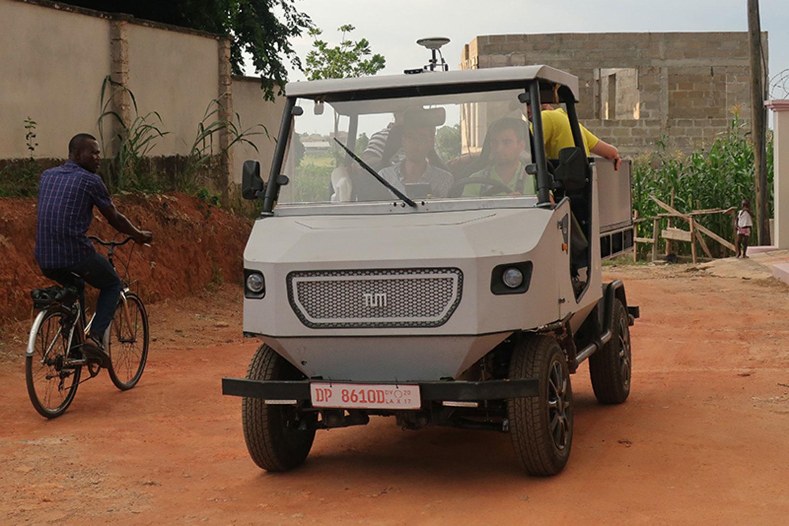 Немцы построили электромобиль для африканского бездорожья 1