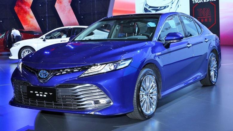 Toyota Camry нового поколения официально представлена 1