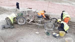 Археологи раскопали «древний» автомобиль 1