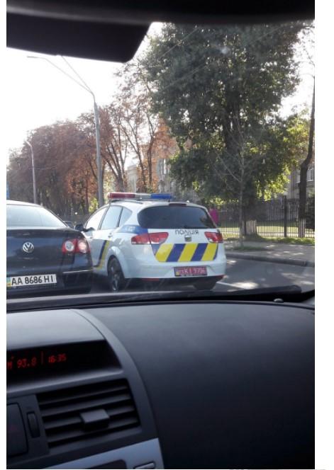 В Украине замечен «нерастаможенный» полицейский автомобиль 2