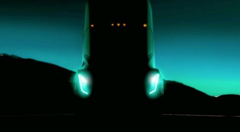 Илон Маск назвал дату премьеры грузовика Tesla 1