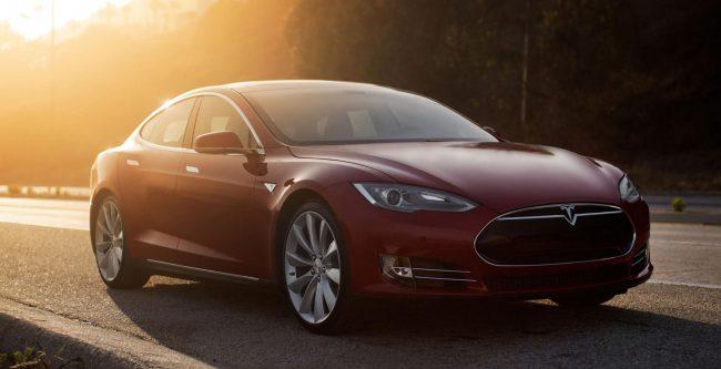 Компания Tesla удаленно спасла своих клиентов от урагана «Ирма» 1