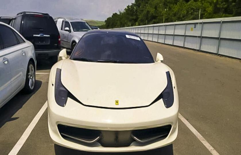 Автомобиль-мечту продают за скромную сумму 1
