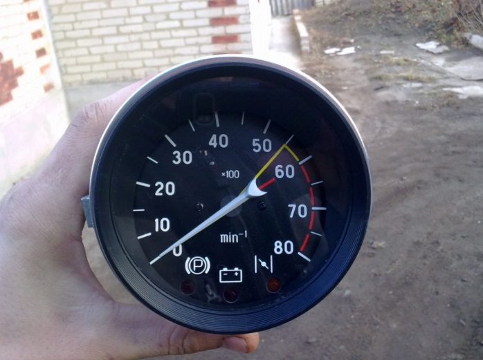Как работает автомобильный тахометр 1