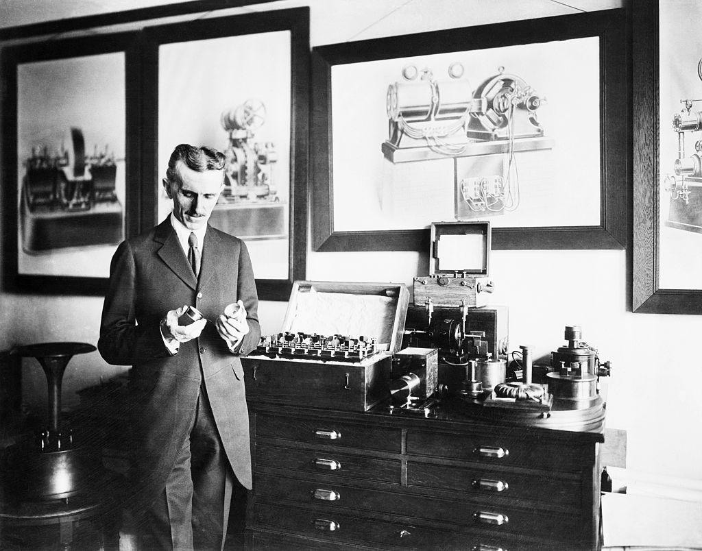 «Полтора века истории»: когда появились первые электрокары 2