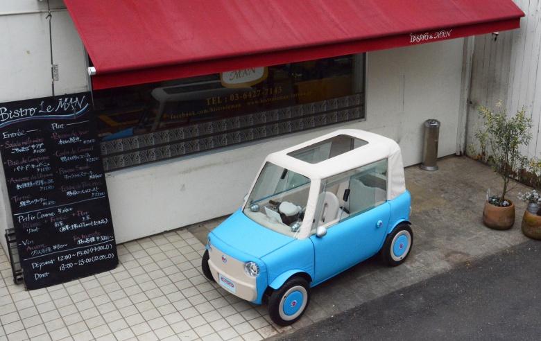 Японец построил автомобиль-палатку 2