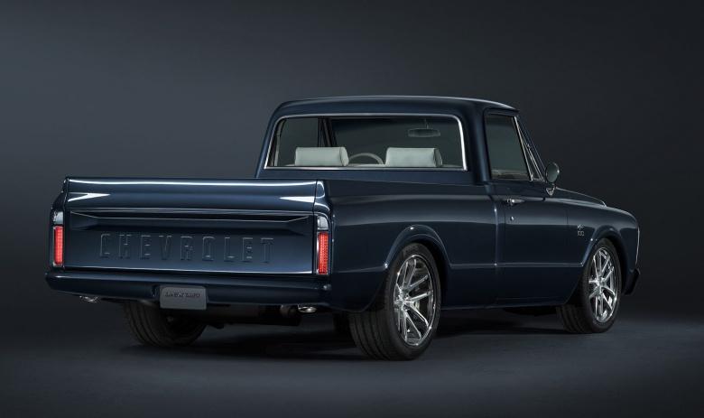 Компания Chevrolet презентовала очень «старомодный» автомобиль 2