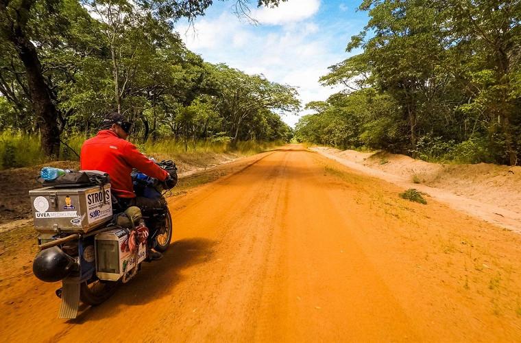 Самая экстремальная поездка на мопедах через всю Африку 4
