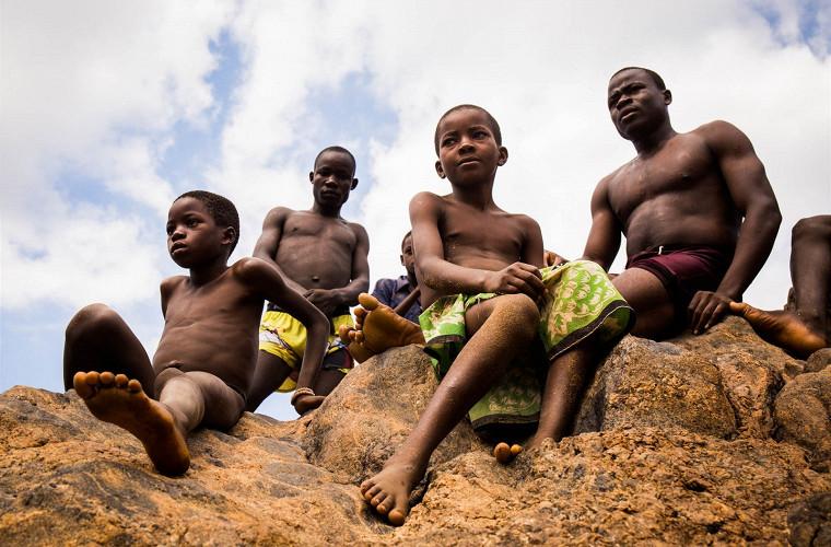 Самая экстремальная поездка на мопедах через всю Африку 5