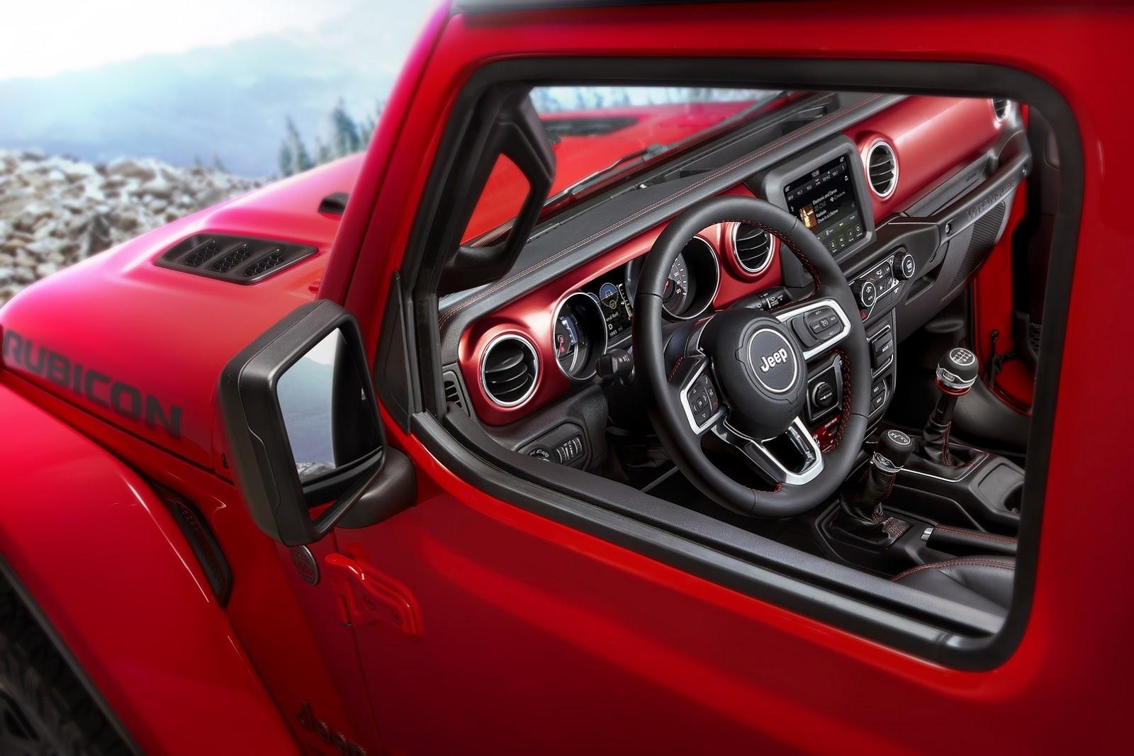 Jeep опубликовал первые изображения салона нового Wrangler 2