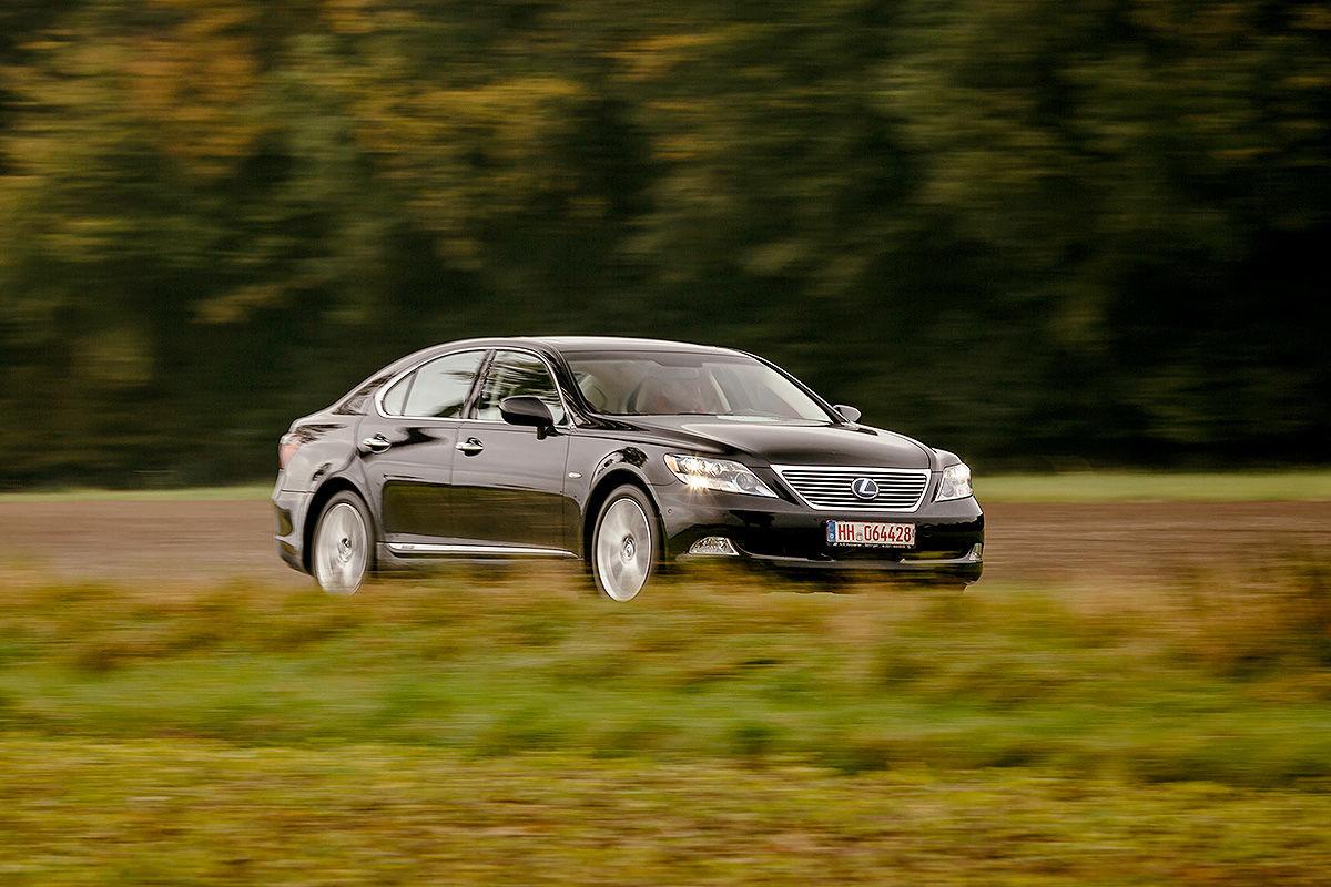 «Сплошная роскошь и никаких сожалений»: тест-драйв Lexus LS 600h 1