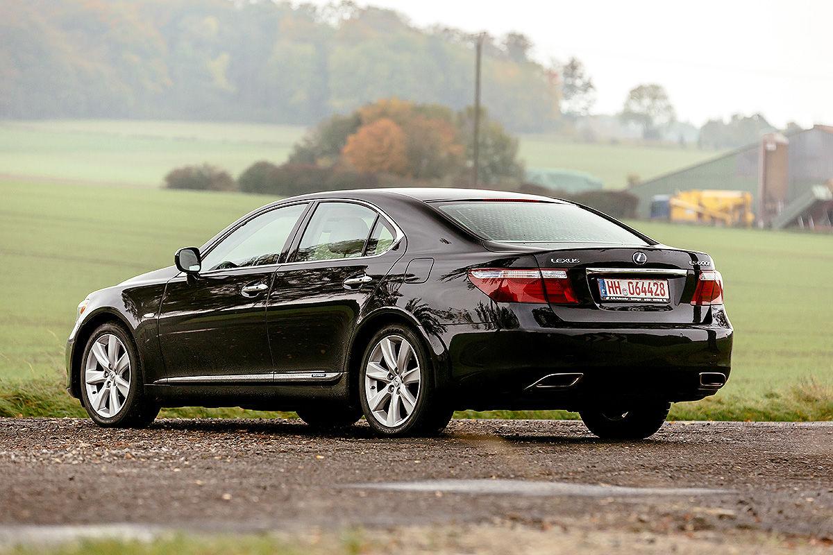 «Сплошная роскошь и никаких сожалений»: тест-драйв Lexus LS 600h 2