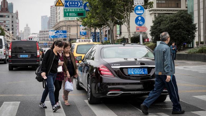 Mercedes будет «тренировать» беспилотные автомобили на китайцах 1