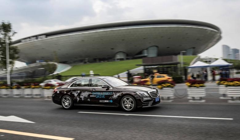 Mercedes будет «тренировать» беспилотные автомобили на китайцах 2