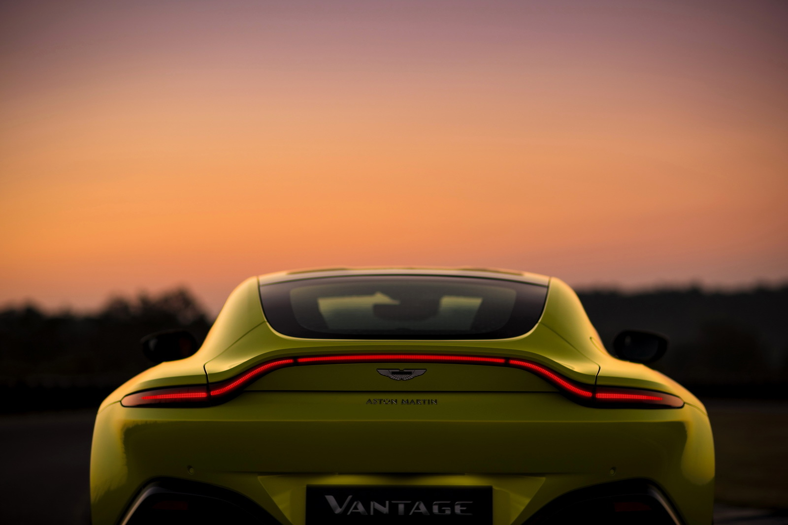 Aston Martin официально представил новый Vantage 3