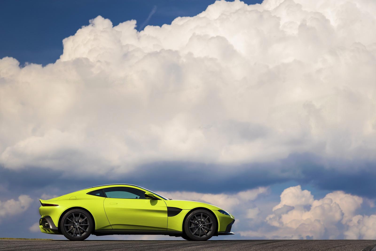 Aston Martin официально представил новый Vantage 2