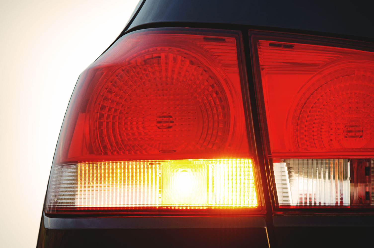 Семь световых сигналов, которыми водители «общаются» друг с другом 1