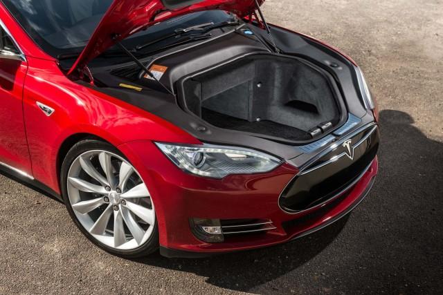 Почти в каждом электрокаре Tesla обнаруживаются дефекты 1