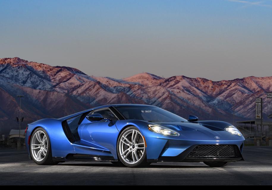 Компания Ford подала в суд на Джона Сина, что он продал автомобиль 1