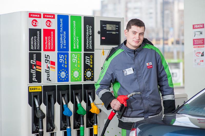Сеть «ОККО» с декабря заправляет топливом только зимних марок 1