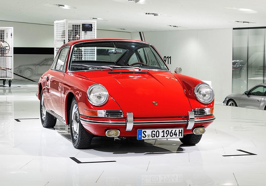 Компания Porsche показала «древнейший» 911-й 1