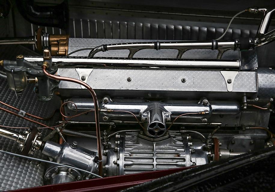 Роскошный родстер 1931 года выставят на продажу 3
