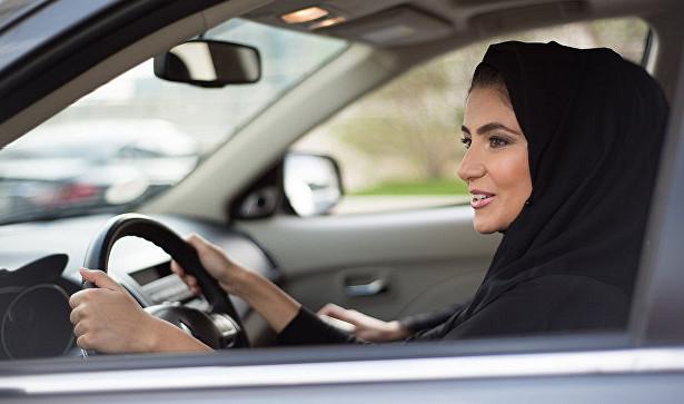 В Саудовской Аравии женщин пустят за руль грузовиков 1